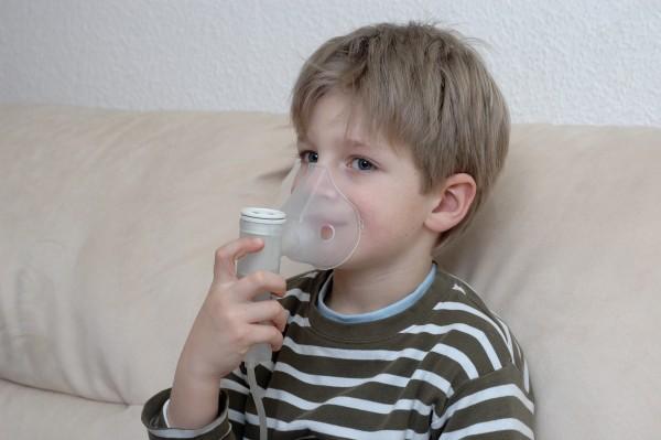 Jak zapobiegać dusznościom? Jak udzielić pierwszej pomocy astmatykowi? Kiedy wezwać lekarza?/fot. fotolia